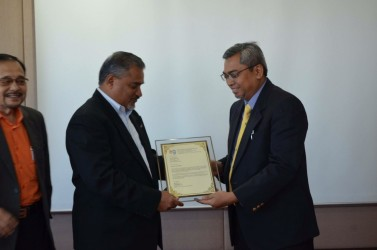 Signing of Agreement for Unit License  APKNS